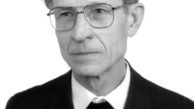 Prof_Herbut_szary
