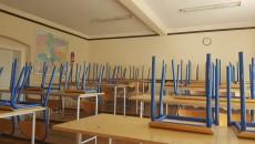 0408_Szkoła_klasa_ławki_krzesła_strajk