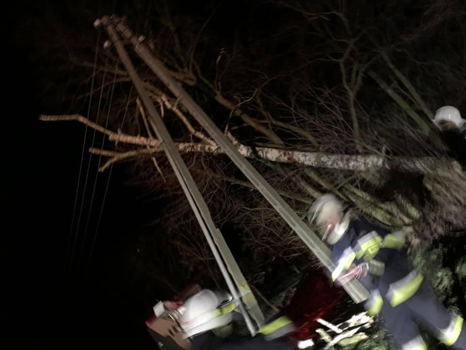 0904_Walce(TS) szkody strażacy wichura straty