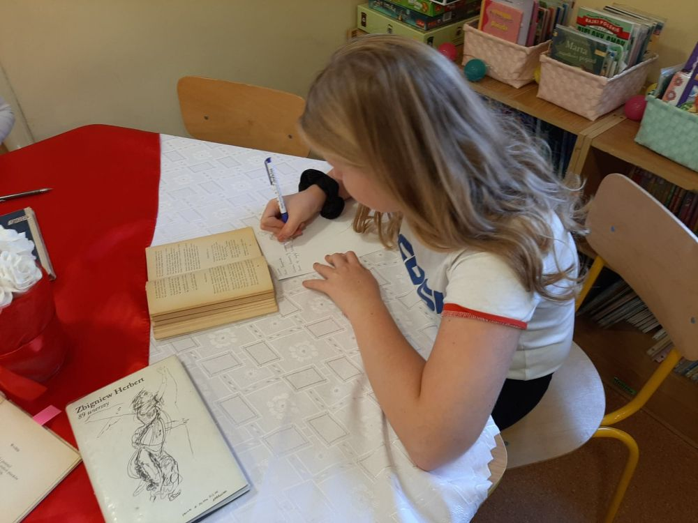 1028_wiersze_szkoła_biblioteka_młodzież_szkoła (2)