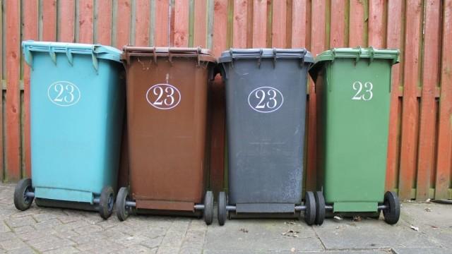 0221_śmieci-bierawa-kubły-kontener-śmieci-odpady-fot.-pixabay