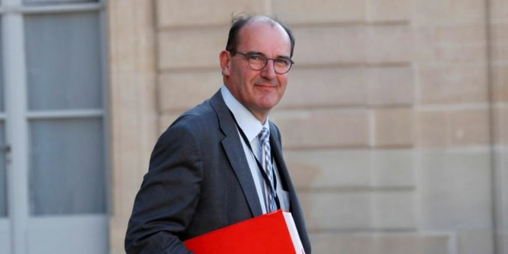 """epa08432458 French government """"deconfinement"""" coordinator Jean Castex leaves after a videoconference with the French President and French mayors at the Elysee Palace in Paris after the country began a gradual end to the nationwide lockdown following the coronavirus disease (COVID-19) outbreak in France, 19 May 2020.  EPA-EFE/GONZALO FUENTES / POOL  MAXPPP OUT"""