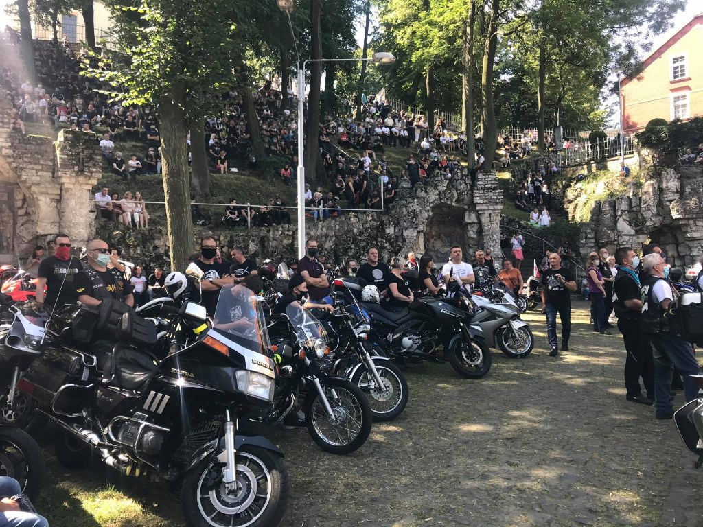 0802_motocyklisci_1